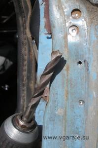 20. Отсверливание точечной сварки самодельным перовым сверлом