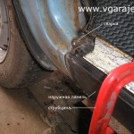 Фото 15 Подгонка наружной панели с помощью струбцины и подкладок